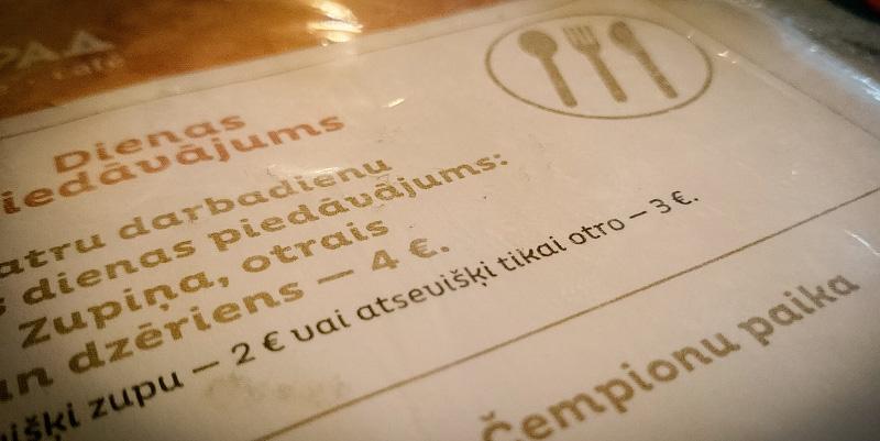 Dienas piedāvājums cafe Leningrad. Eiro simbola pareizs pieraksts.