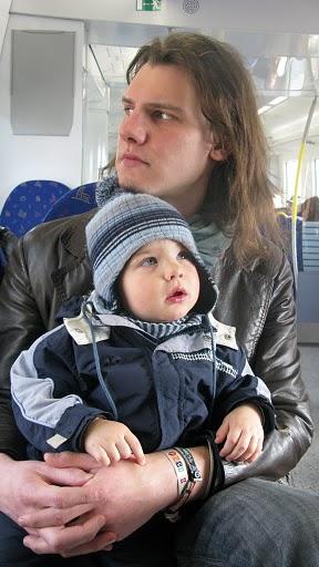 Jānis Džimmijs Bižāns 2010. gada aprīlī Stokholmā pirmo reizi brauc ar vilcienu.